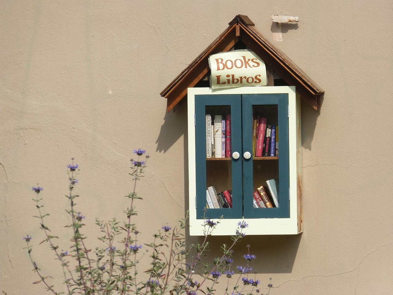 books-1332428_1280
